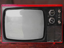 vintage-tv-1116587_1920